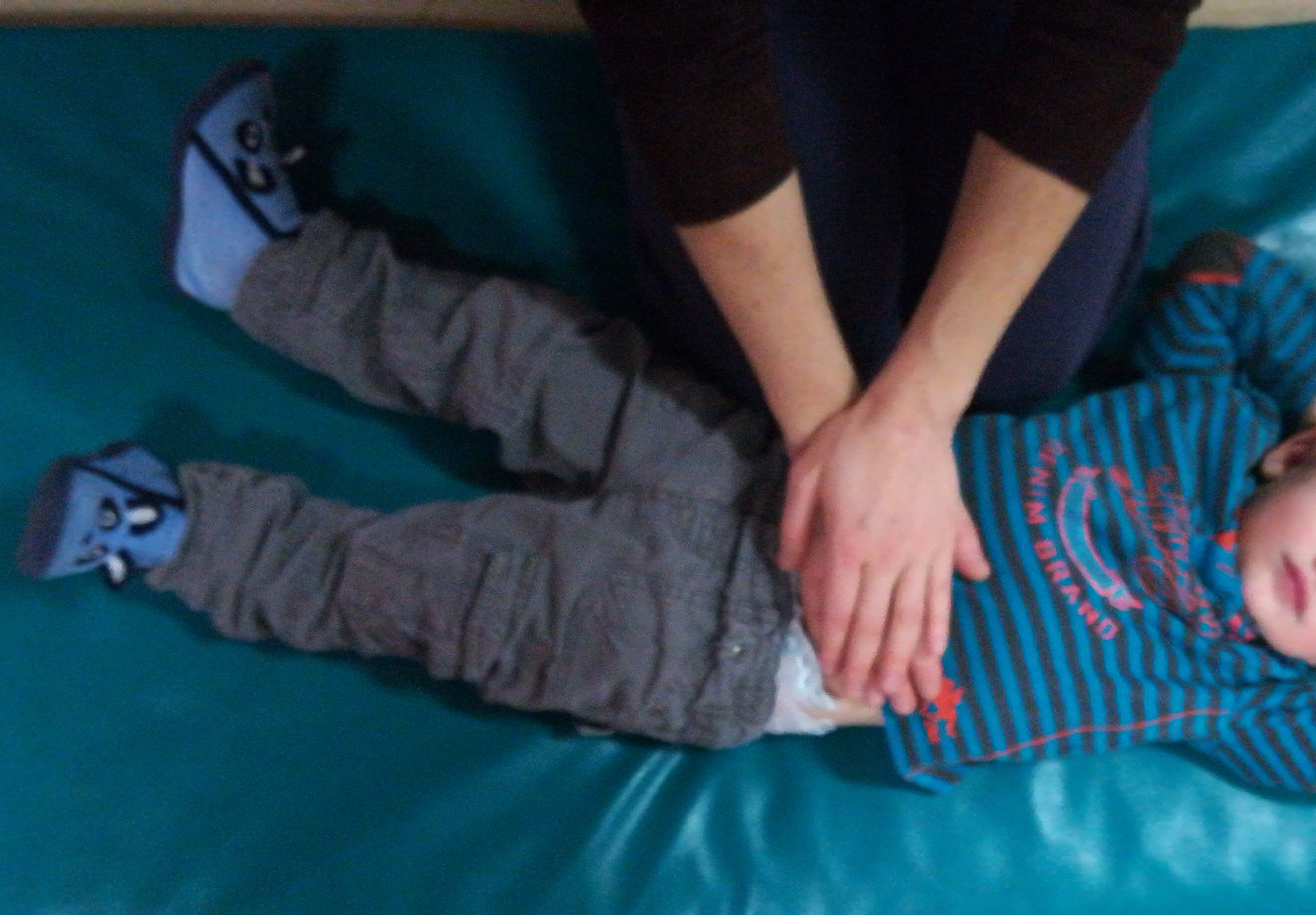 shiatsu-ventre-enfants-massage